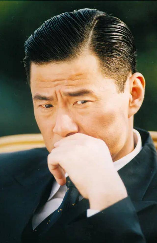 被低估的于荣光:演技不输给李连杰 低调从未让初恋妻子露面