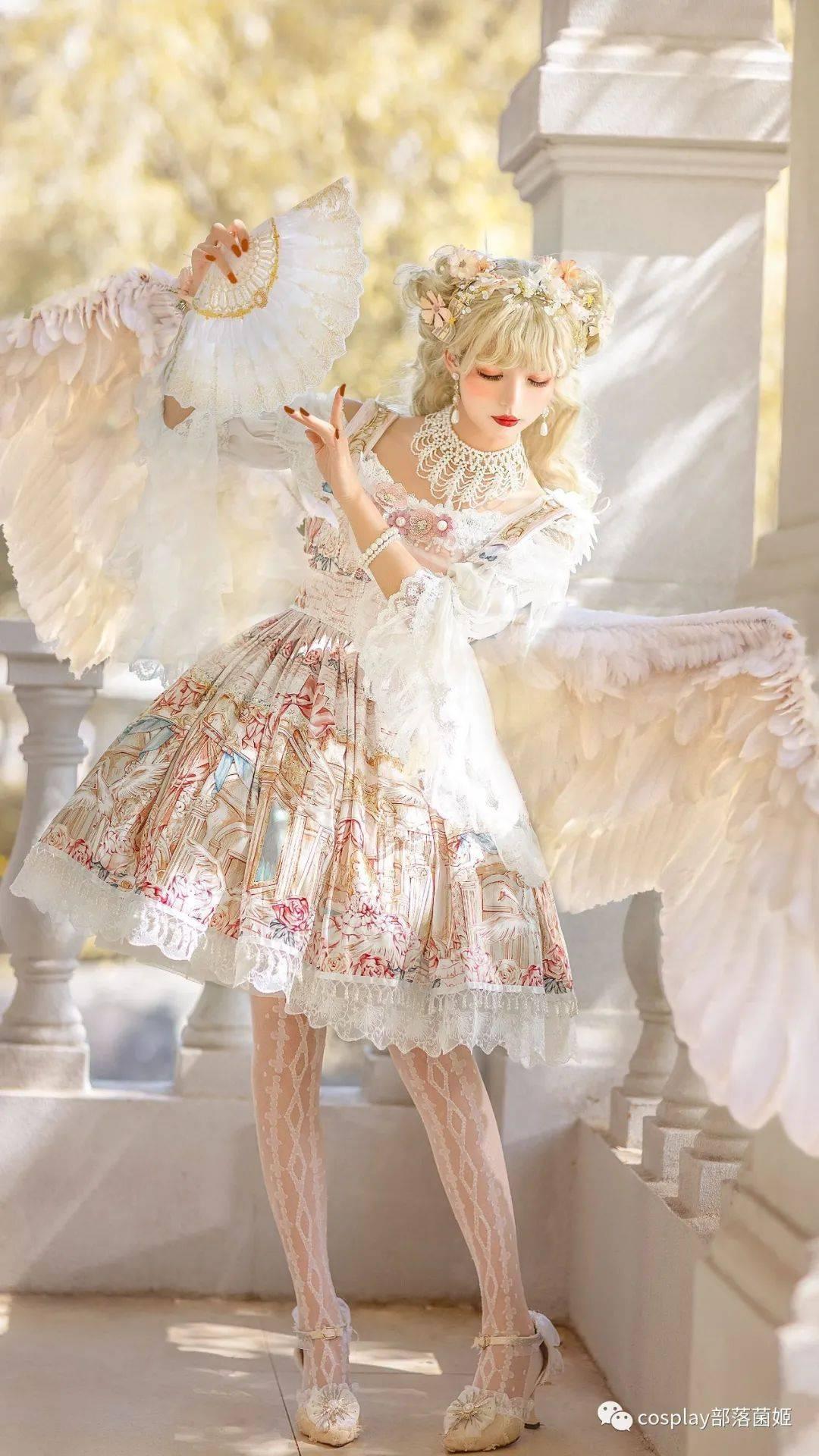 Lolita:天鹅与莉莉安