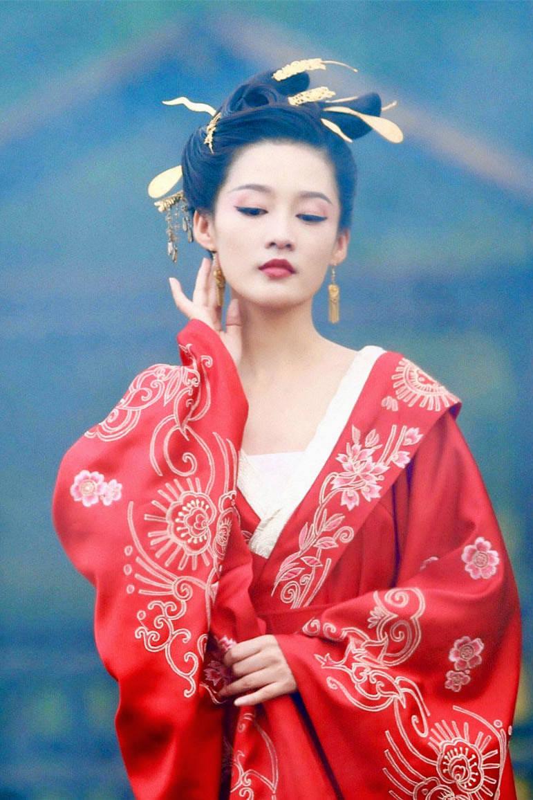 """图片[18]-新晋""""虎扑女神""""李沁,成也这张脸,败也这张脸-妖次元"""
