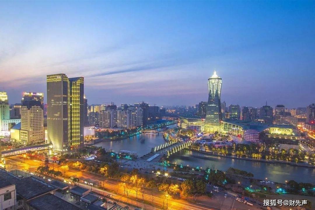 上海人均gdp_上海,杭州、苏州、南京综合实力榜,和GDP榜差别很大