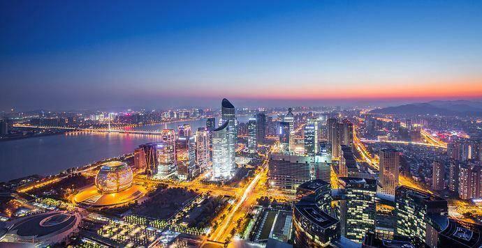 中国gdp行业_中国历年服务业增加值占GDP比重