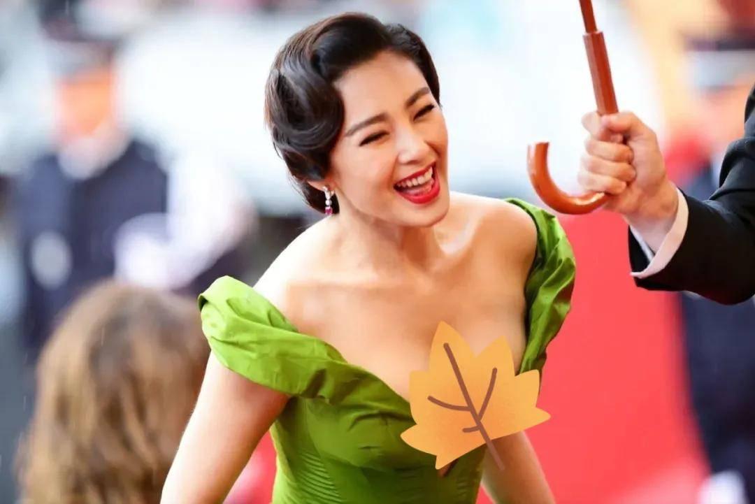图片[45]-国内女星走欧洲三大红毯,铆足劲好精彩,有人土到国外,有人争光-妖次元
