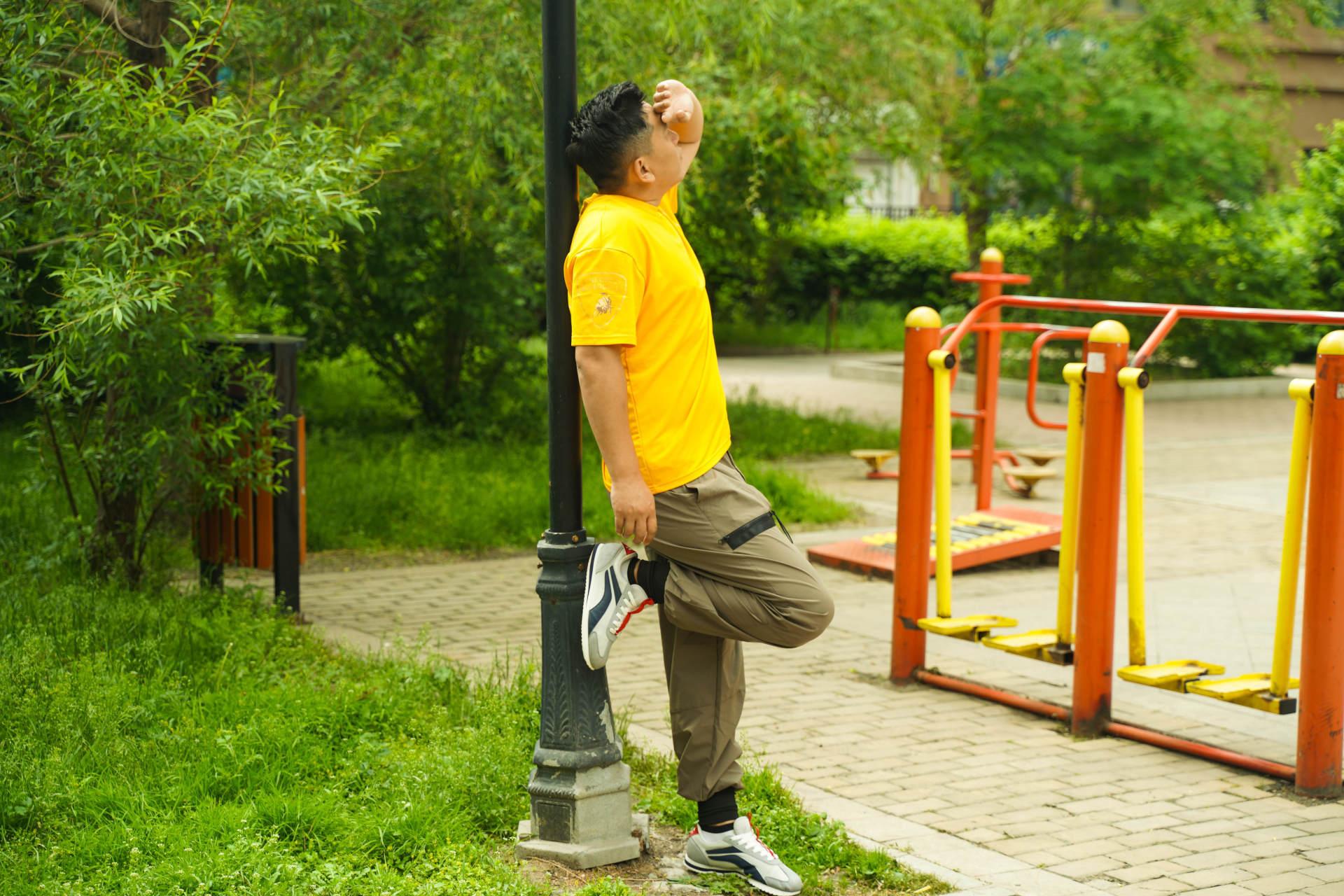 夏天怕晒黑,穿裤子还嫌热?fooxmet风谜吸湿速干休闲裤能解决