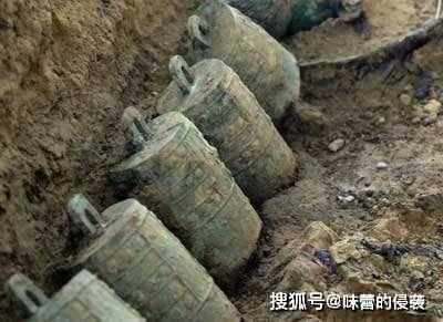 山东纪王崮顶有座大墓,专家发掘后遗憾地说:墓主彻底成谜