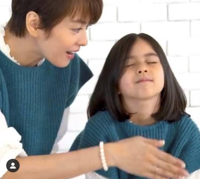 梁咏琪6岁女儿罕露面,拍广告容貌惊艳,刚上小学身高远超同龄人