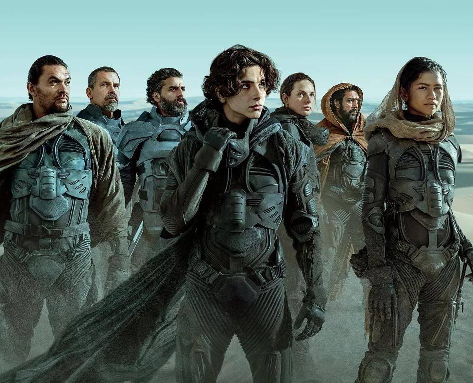 击败了《沙丘》,《长津湖》票房冲破53亿,但又迎来了007!图片