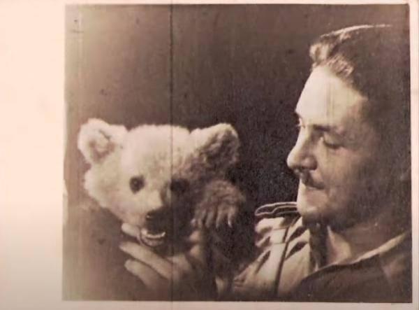 世界最骚小熊:我抽烟喝酒爱花钱,但我知道自己是个乖小熊