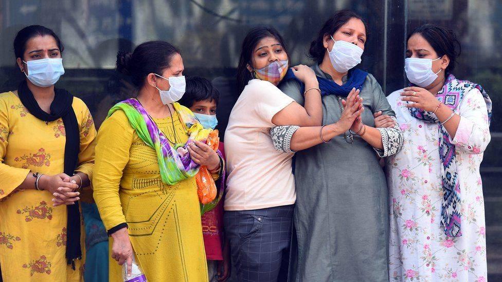 """单日新增确诊超27万例,印度第二波疫情为何""""全面失控""""?_疫苗"""