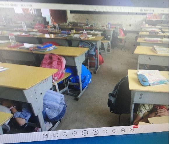 湖北省宜城市邓冲小学举行防震减灾应急疏散演练活动