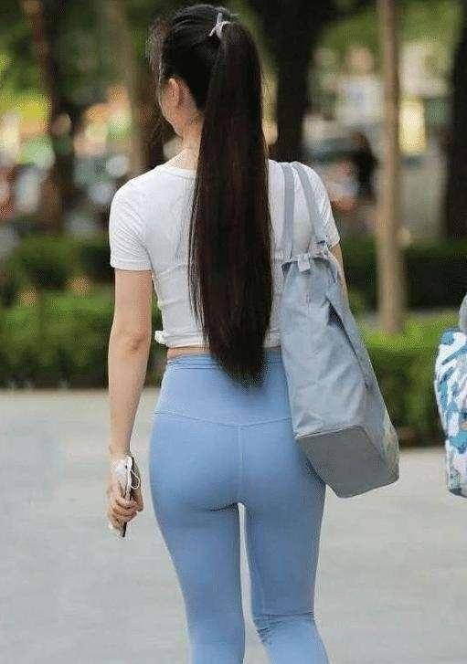 打底裤的打扮优雅不显老,穿出淑女气质,高贵气质尽显