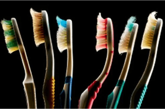 你的牙刷上有一亿个细菌,如何保持牙刷清洁?