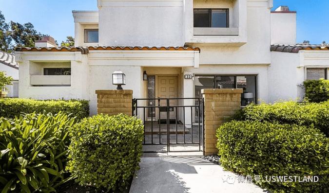 洛杉矶尔湾联排别墅 2房3卫 市中心位置 生活便利舒适 76.8万美元
