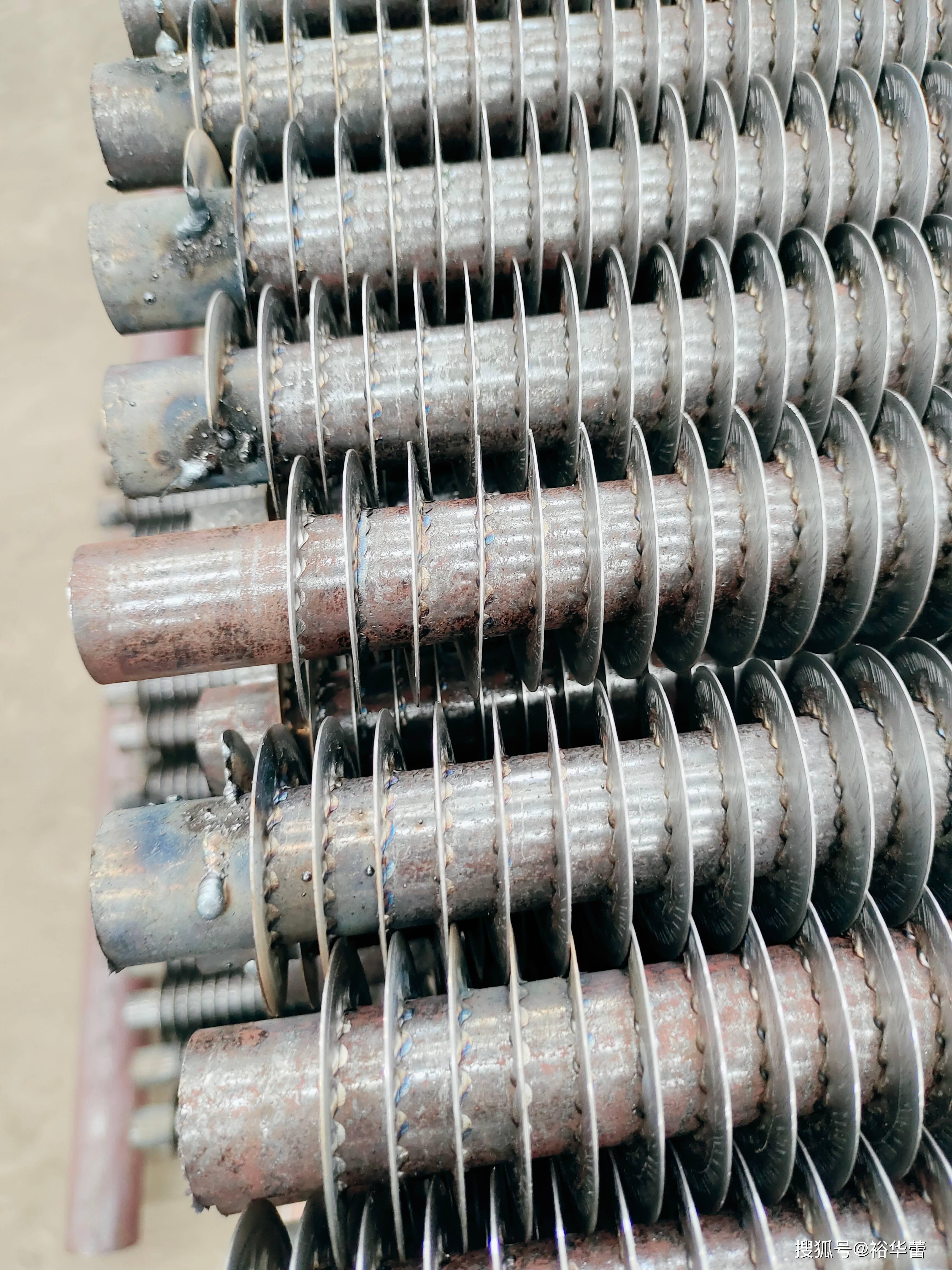 铝钢翅片散热器