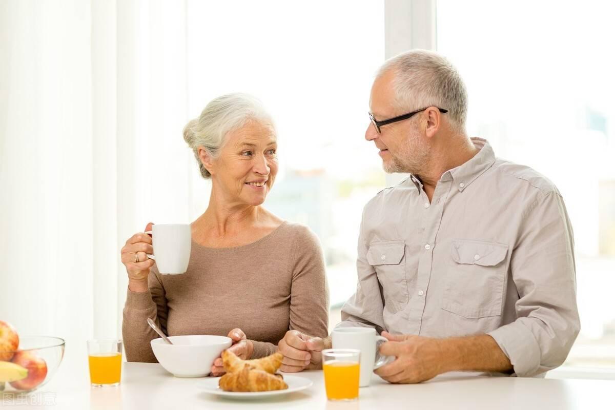 """汤泡饭与米粥营养相同,""""一伤一养""""区别大,老年人不妨了解下"""