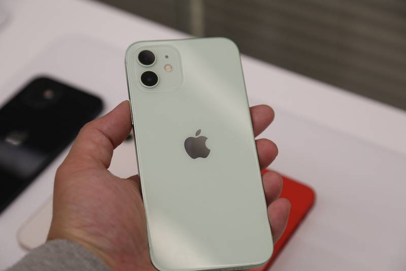 iPhone 12到底有多蓝?摸了真机的人告诉你的照片 - 13
