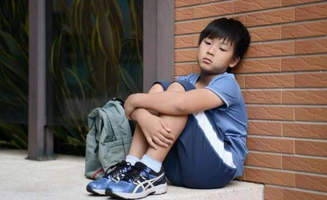 小孩儿能有多累呀!现代的孩子已经变了,但父母和老师还留在原地