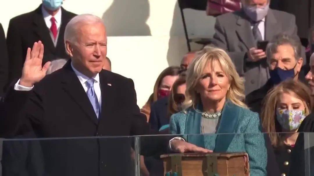拜登就职美国总统典礼现场!美国三名前总统奥巴马、克林顿、小布什到场!