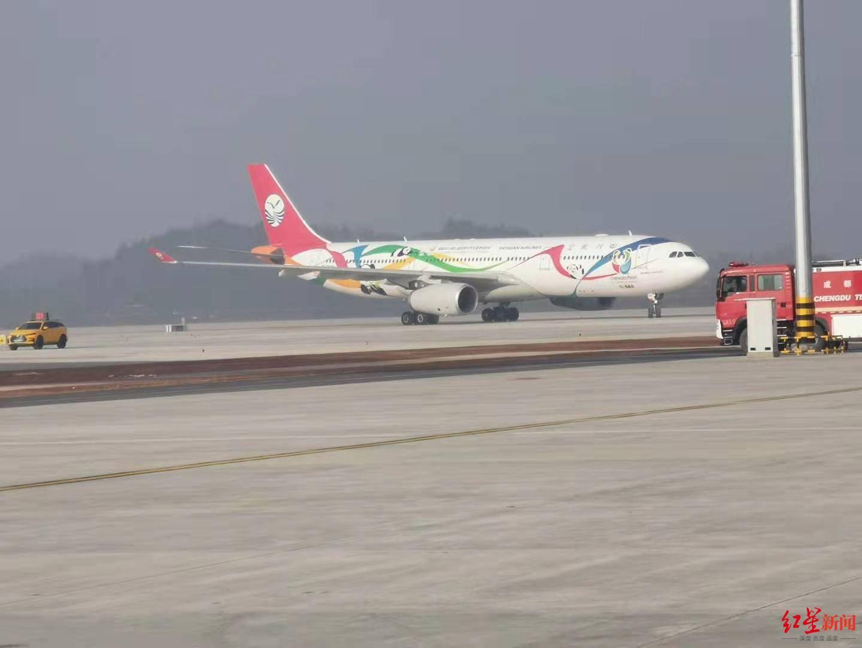 专访川航总飞行师王兴华:试飞线路系机场航线安排,还会试飞其他跑道