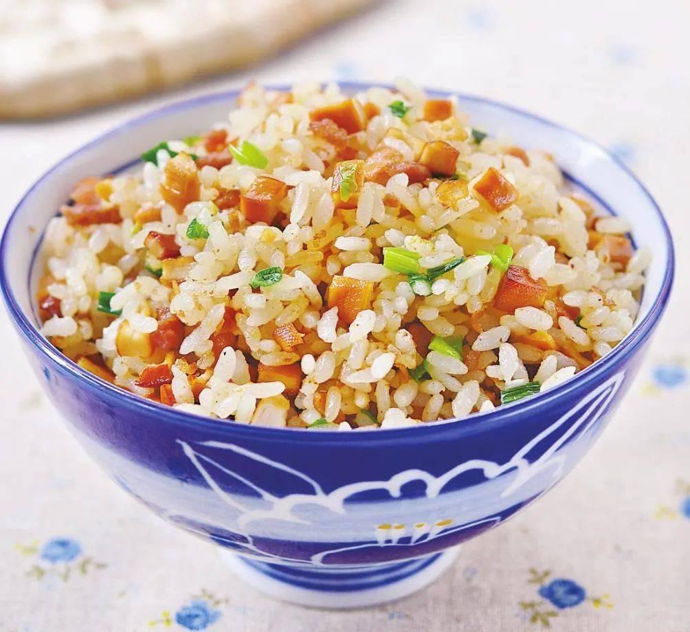 自从学会剩米饭这吃法,连蛋炒饭都很少做了,10分钟出锅,孩子点名要吃