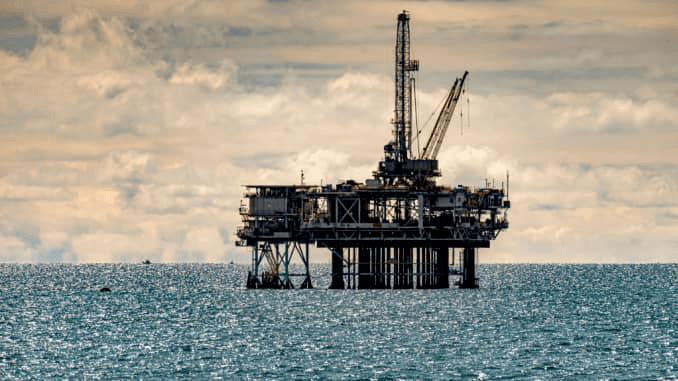 热门评论|石油巨头壳牌宣布全年利润大幅下降,但仍将增加股息