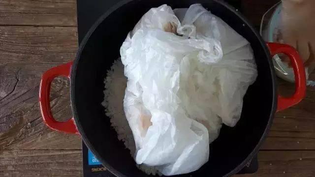 盐焗鸡在家怎么做?4分钟教会你!