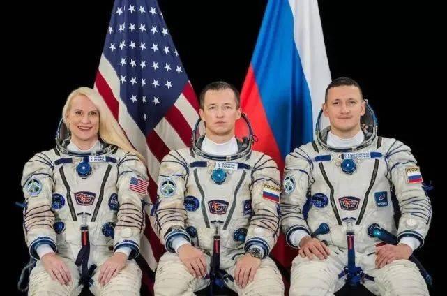 俄航天员的这个拜年方式,真是走心了