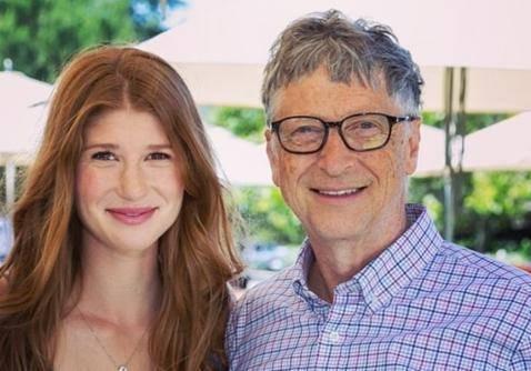 注射完新冠疫苗后,比尔·盖茨女儿:里面没芯片