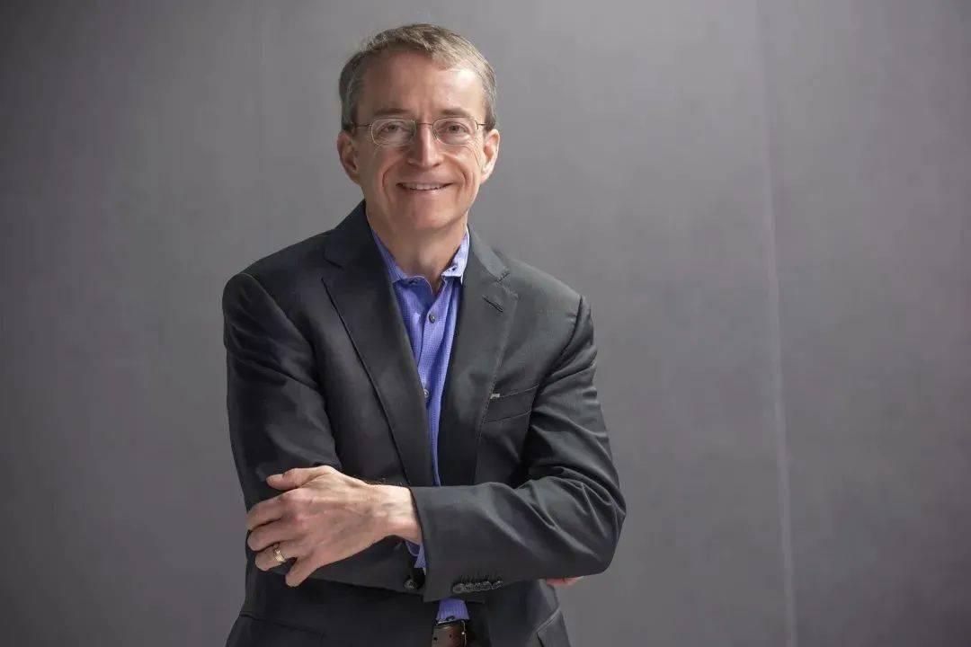 英特尔新CEO上任,比特币破5万美元,被美国封杀的Parler重新上线,安卓之父的手机品牌被收购,这就是今天的其他大新闻!