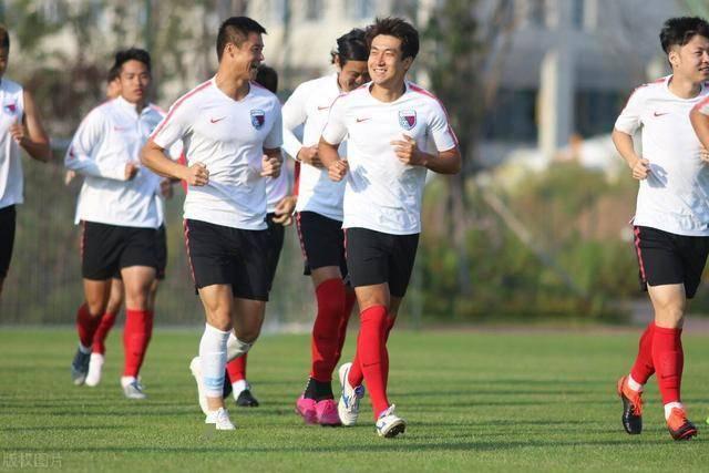 国安功勋名将如今有了新动态,未来有望重返北京足坛,出战中甲