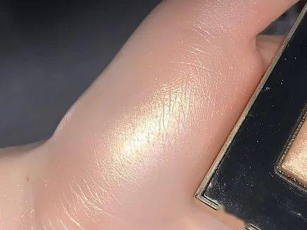 10款绝美高光测评,一秒拥有神仙水光肌!