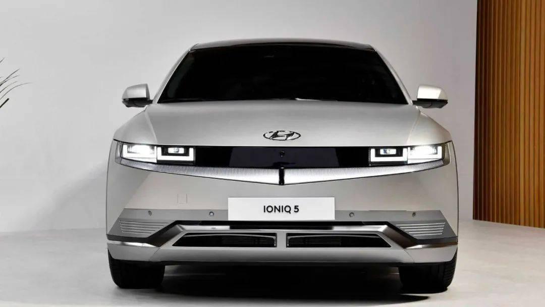"""""""车V""""现代纯电车IONIQ 5全球发布;全新梅赛德斯-奔驰c版-20210224"""