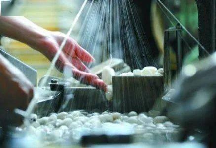 洞察|丝绸行业触底反弹进入新的一年。这些龙头企业已经开始抢占新的轨道