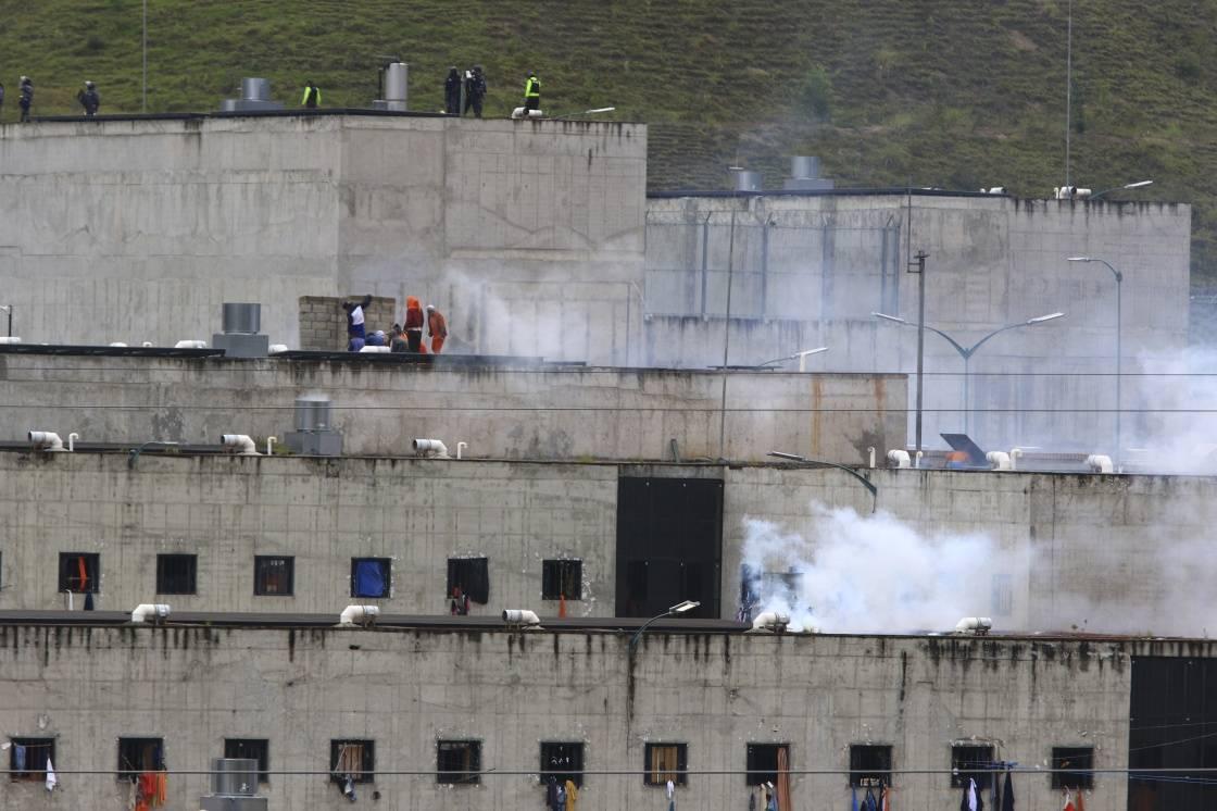 """厄瓜多尔三所监狱发生骚乱,75人死亡。监狱长:犯罪集团""""为老大而战"""""""