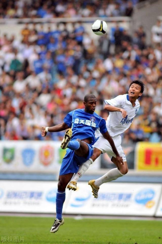 天津泰达解散在即,球队名宿抢先宣布退役,曾带队足协杯夺冠