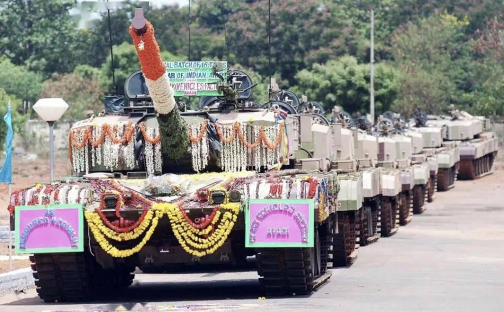 印度贼心不死欲派新型坦克入驻北方边境,对位99A坦克胜算几何