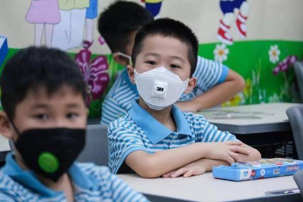 越南河内青少年将于3月2日回校复学