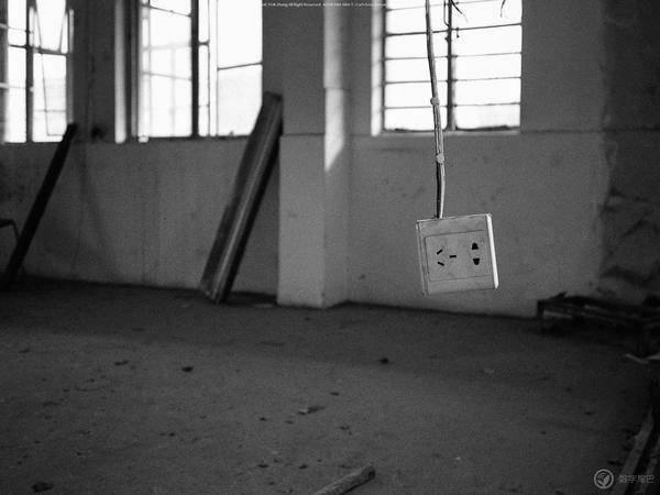 用胶片 ps 机记录枯燥乏味的生活日常。
