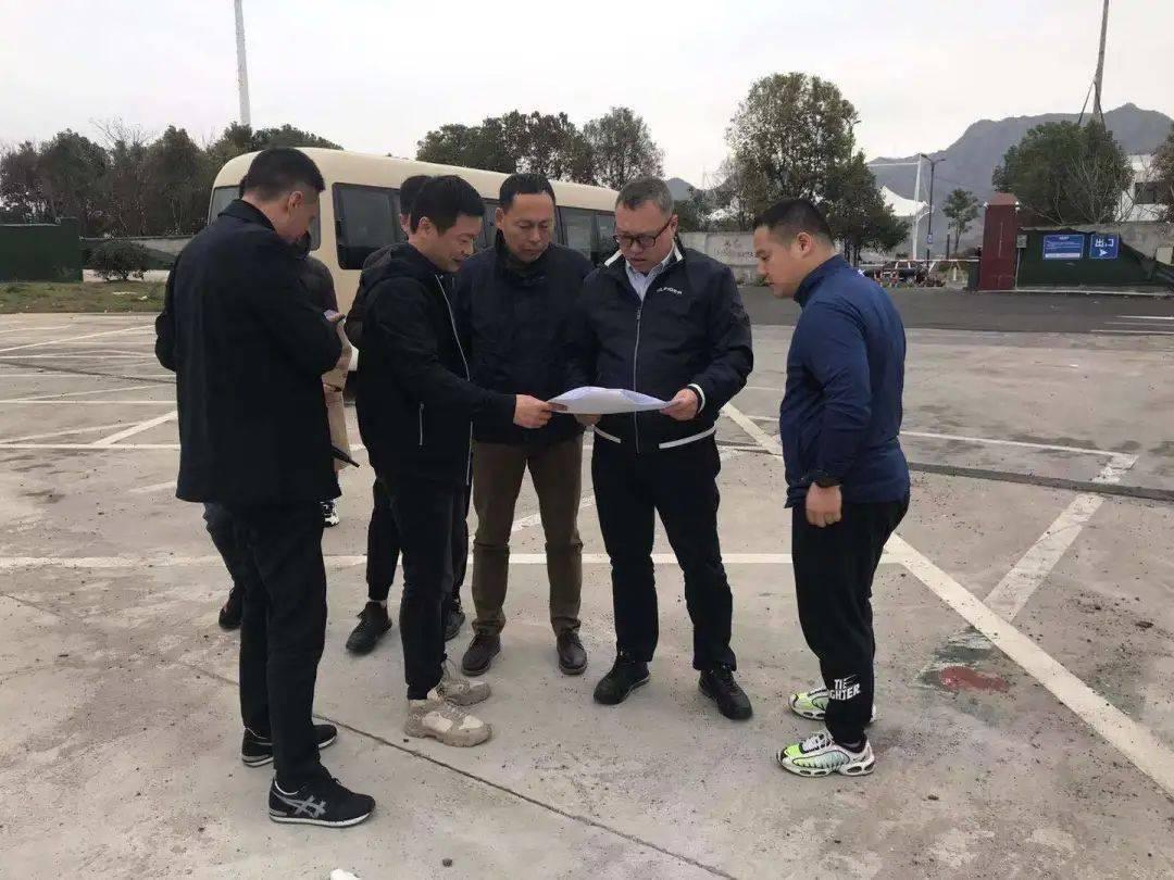 温州市体育局党组成员、副局长许一行考察了体育投资集团的重点资产项目