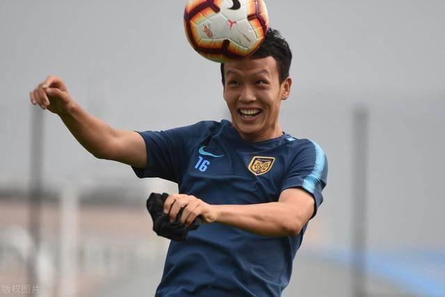 他在苏宁效力四个赛季,却只进了一球,如今加盟国安爆发连场建功