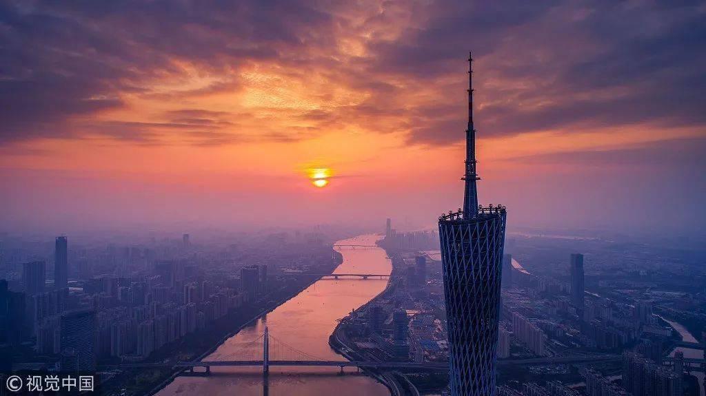 贾玲代言,年卖1亿块炸鸡,肯德基的中国对手要IPO了