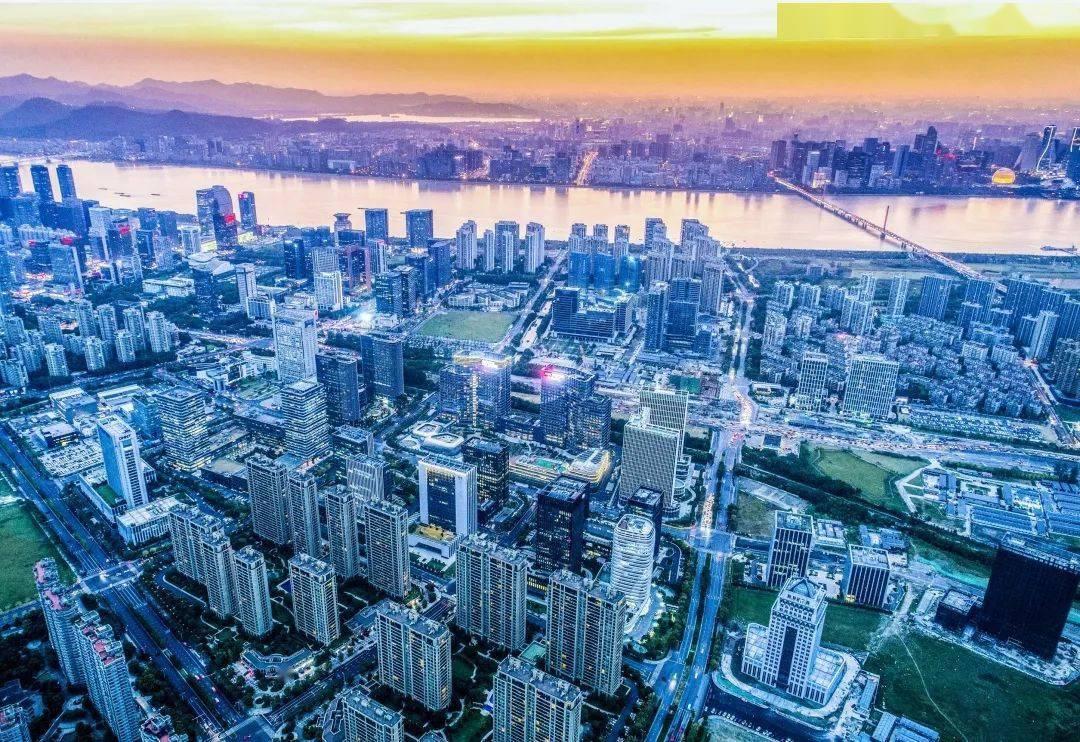 2020杭州余杭区人均gdp_2020年浙江各市七普人口和人均GDP,杭州十年增加超300万人