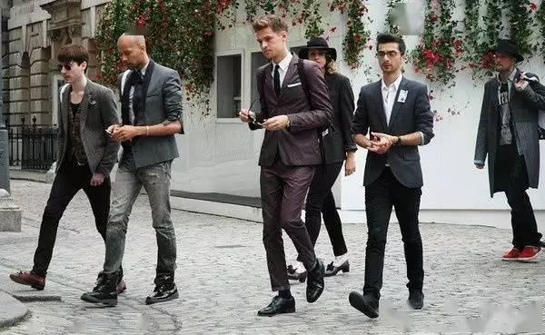 男士必看!【商务男装的穿法和搭配技巧】