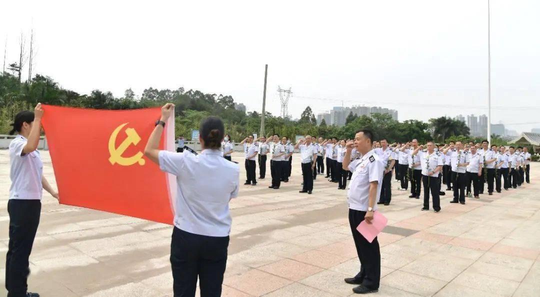 清明前夕,广西税务部门开展清明祭扫活动 缅怀英烈