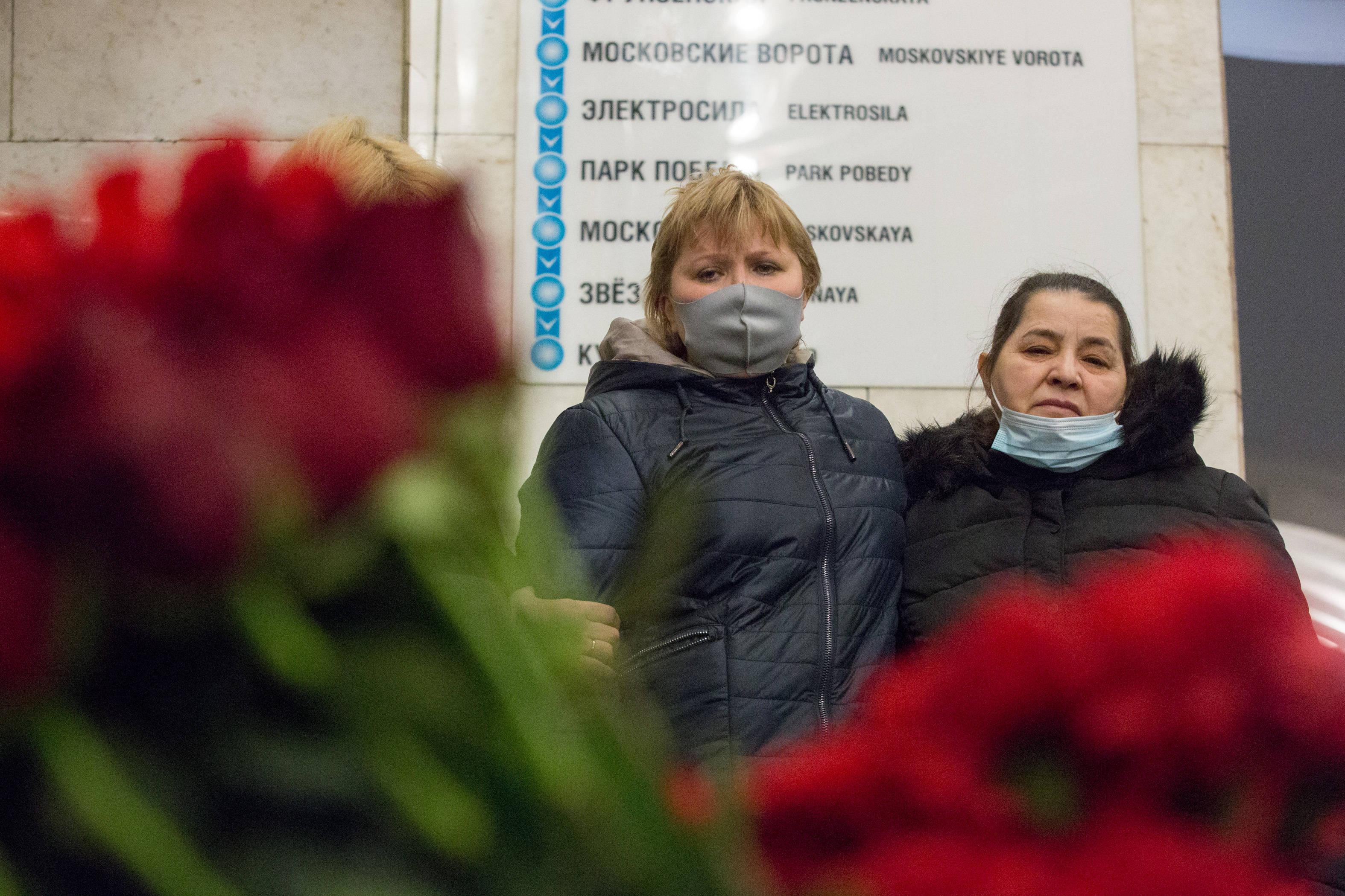 圣彼得堡悼念地铁恐袭案遇难者