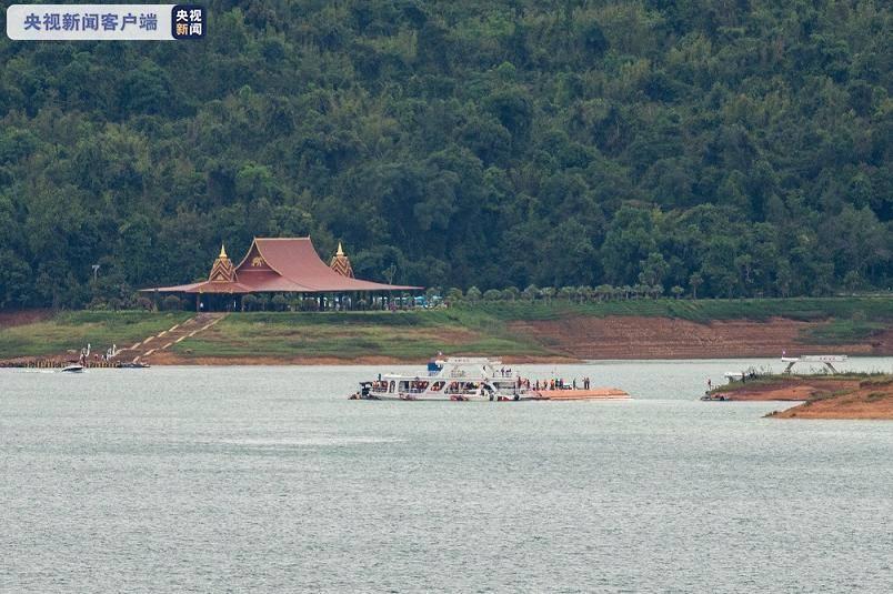 老挝万象客船沉没事故已致8人遇难