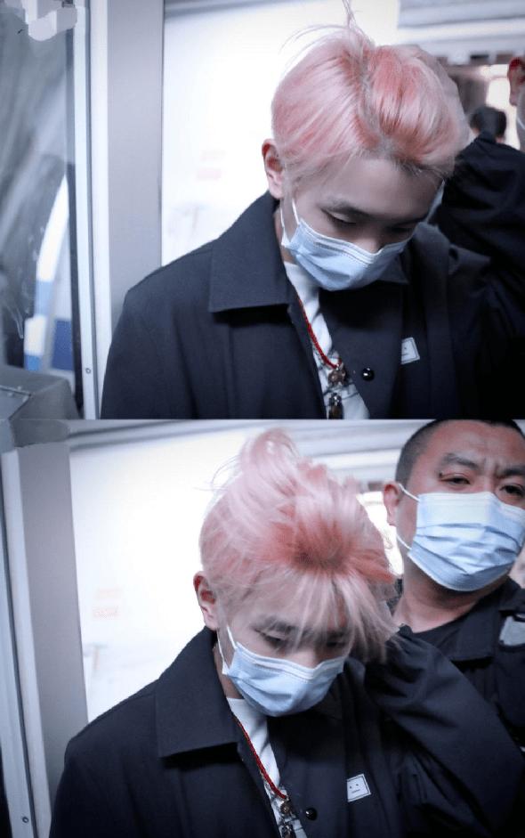 王源又换了新发色!得知染发背后原因网友一片称赞