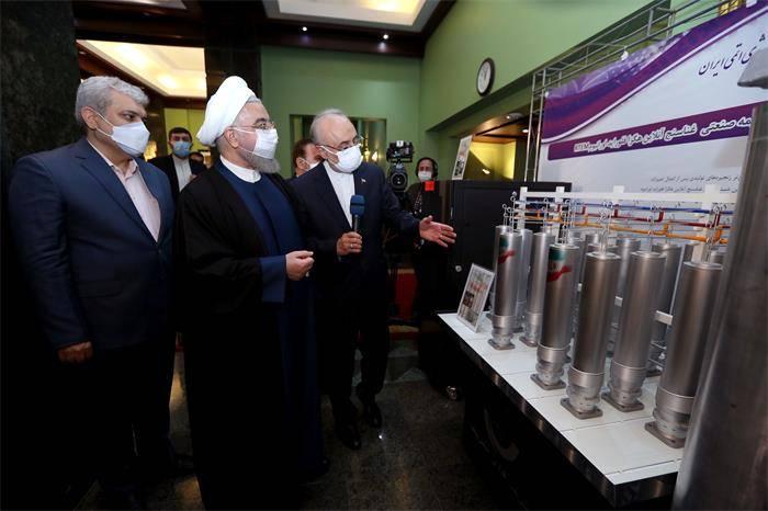 伊朗国家核技术日揭幕133项成就 新型离心机开始注气