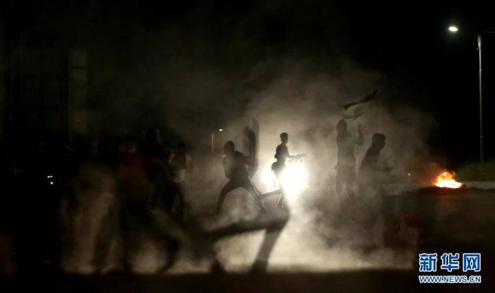 巴勒斯坦约旦河西岸多地爆发抗议