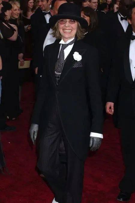 衣品||75岁还是最酷的女神 如何穿成戴安·基顿? 爸爸 第38张
