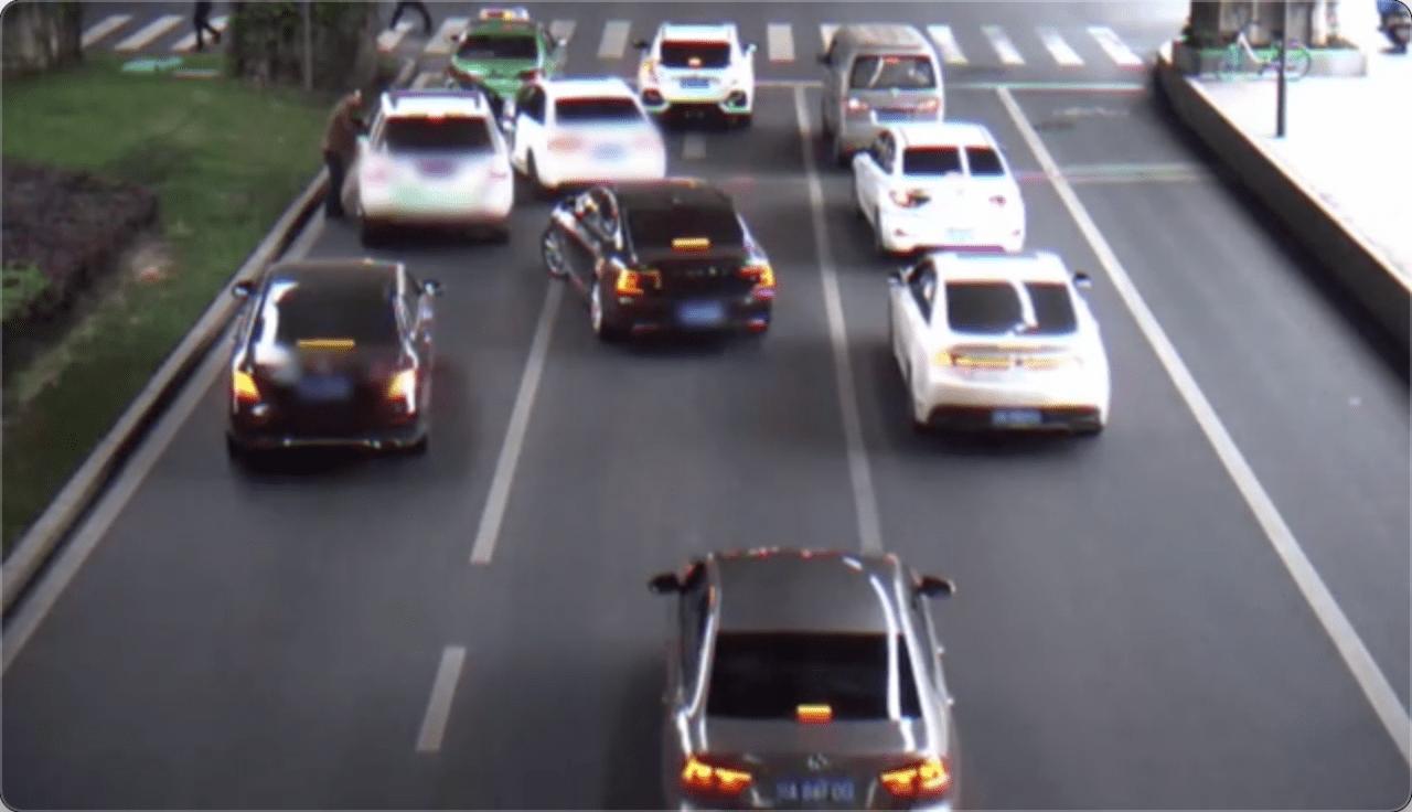 《成都一司机挂倒执勤辅警后逃离》后续:涉事司机被依法刑事拘留
